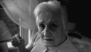 Uzmanlar düşük kilolu yaşlıların Alzheimer hastalığına yakalanma riskinin daha yüksek olduğunu belirtiyor.